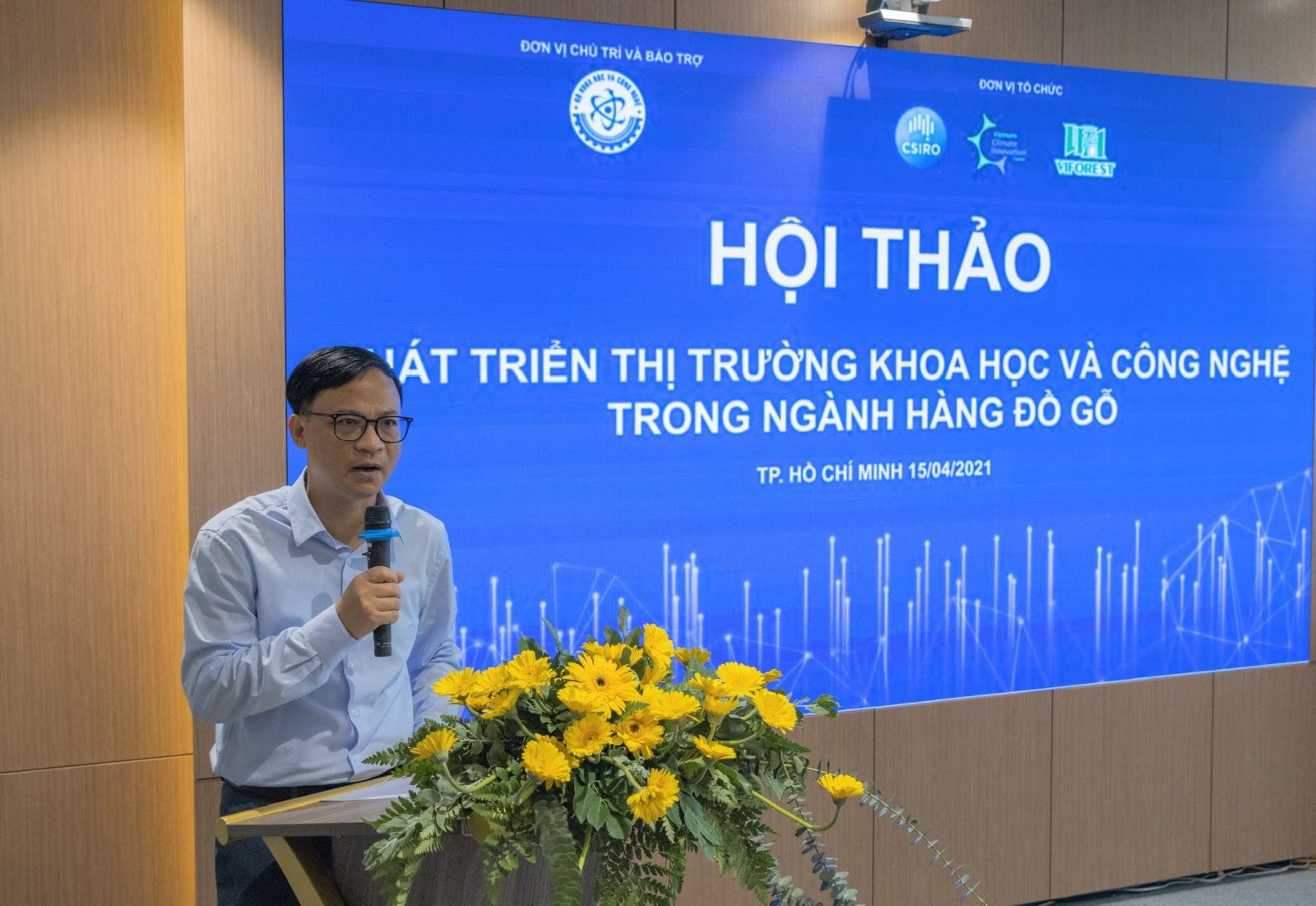 [TV ANGLE] The seminar Developing the science and technology market in the furniture industry was reported by Ho Chi Minh City Television and many domestic press units